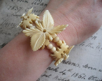 Vintage carved bone bracelet, elasticated, c1930s