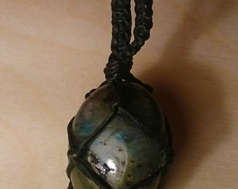 Blue Flash Labradorite macrame necklace