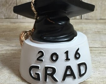 Grad 2016 Photo Holder. Class of 2016. Personalized with Name and School.  Graduation Keepsake. Personalized Graduation Gift. Fast Shipping.