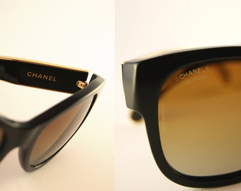 Chanel Polarized Sunglasses - Authentic Chanel Sunglasses 18 carat gold plated metal - WORN