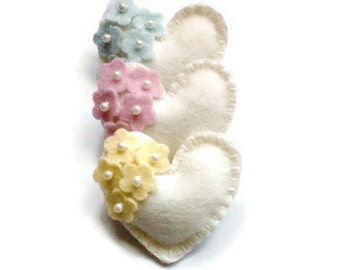 Easter heart brooch - Choose your color