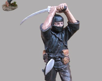 Japanese Action Figurines Warrior Ninja with Sword Attack Hand Painted 1/32 Scale Statuette Toy 54mm Tin Metal Miniature