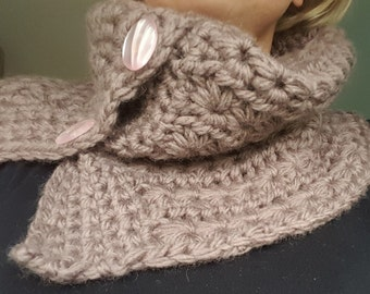 Crochet Star Stitch Cowl made with chunky 100% wool