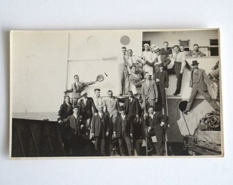 Fiume 1930 Group Photo old italian photography of a ship passengers, Italy