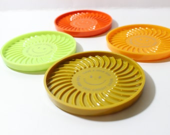 """Happy Face Plastic Coasters Autumn Colors / Vintage Round Set of 4 / """"Have A Nice Day"""""""