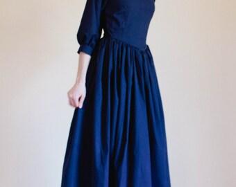 LACE collar Pointed Bodice Plain Dress - Modest Prairie Dress - Made to Measure Modest Dress - nursing access Mennonite reenactment dress