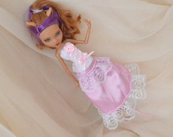 MH monster girl doll clothes - white and pastel pink set of corset top and ruffled skirt - lolita cute kawaii princess lady