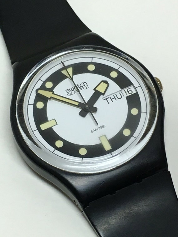 Vintage swatch watch black divers gb704 1984 day date glow in - Swatch dive watch ...