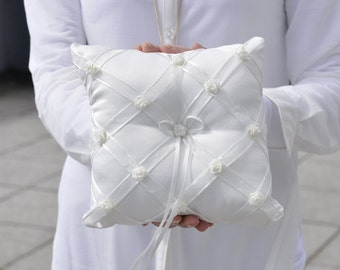 Ring pillow - white and decorated with ivory flowers
