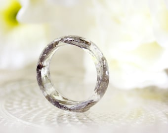 Resin / ring / Silver / Resin Jewelry, Cool Jewelry, Real Flower Jewelry, Cool Ring, Gift for her, Botanical Jewelry, Plant Ring, Terrarium