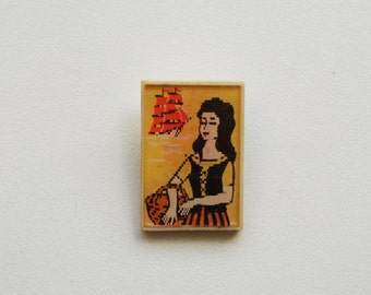 Vintage (4 cm) 1.57'' princess fairytale ship hologram cartoon brooch badge token clasp pinion pin button cordon band meda