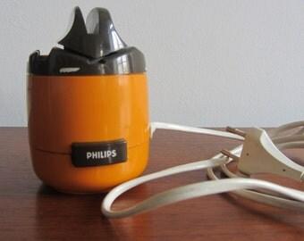 PHILLIPS Orange and Brown Plastic Scissors & Knife Sharpener, model HR 2503 - Made in Holland  - 1970s