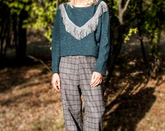 Crop sweater with fringes