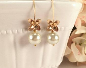 Pearl Earrings, Matte Gold Flower Dangle Earrings, Gold Pearl Earrings, Wedding Earrings, Bridesmaid Jewelry, Minimal Everyday Earrings
