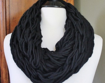 Wool Black Arm Knit Scarf