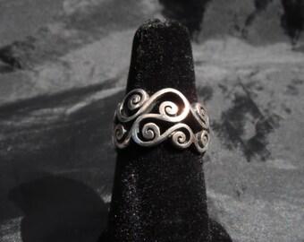 Sterling Silver Filigree Ring 6.9 Grams Size 5.75