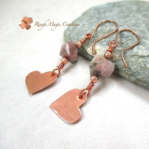 Raw Tourmaline Earrings Gemstone and Copper Heart Earrings Semi Precious Stones Boho Chic Rustic Primitive Metal. Bohemian Jewelry for Woman