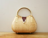 vintage 60s Sweetest Little Off To The Market Nautral Woven Basket Purse // Gold Tone Double Handles