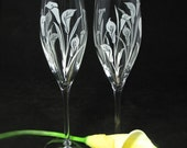 NEW 2 Calla Lily Champagne Glasses, Fine Crystal Toast Flutes, Personalized Wedding Gift for Couple