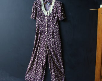 Vintage Maxi Pantdress Purple and White Lace Collar Shoulderpads From The 80s Size 7 to 8 from Nowvintage.
