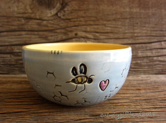 Pottery Bowl with Honey Bee - by DirtKicker Pottery