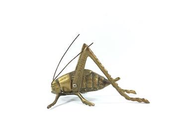 Vintage Brass Grasshopper Figurine, Solid Brass Figurine, Brass Bug Statue, Mid Century Brass, Brass Paperweight, Gold Boho Decor, Bohemian