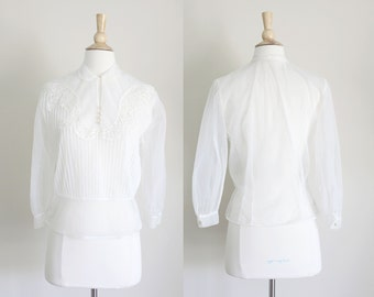 1950s White Embroidered Sheer Nylon Blouse by Debcraft // Medium