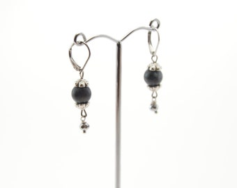 Labradorit earrings, stone earrings, beaded earrings, handmade earrings, gray silver earrings, labradorit jewelry, beaded jewelry