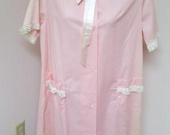 Vintage Diana Dean Pink Short Sleeved Light Weight House Coat