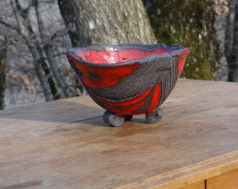 Email black stoneware Bowl Red