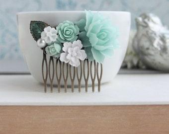 Mint Comb, Bridal Comb, White and Green Verdigris Leaf Flower Comb, Wedding Comb, Bridesmaids Hair Accessory Mint Nature Mint Wedding Comb