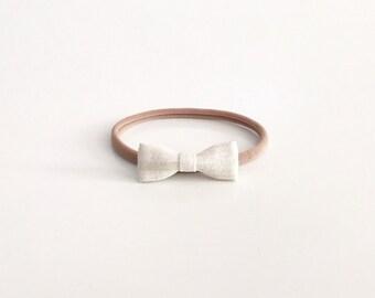 tiny painted white stripe bow - nani iro