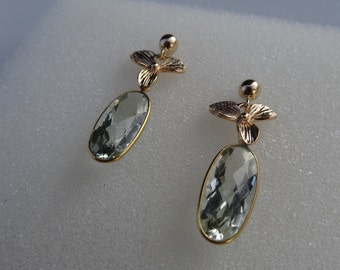 Earrings with green amethyst and 585-er silver flowers!