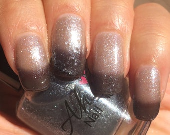 Milky Way Black to White/Clear Thermal Indie Polish