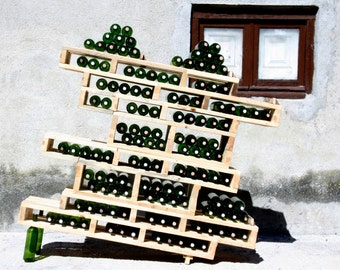 Cabinet wine rack for restaurants or wineries