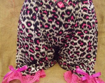 Cute,hot pink leopard print 'above the knee' length bloomers with pink lace,bows & heart!Pin-up,burlesque,westernRockabilly,1950's,Victorian