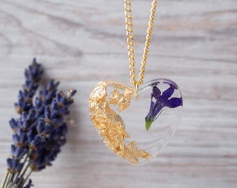 Resin flower necklace with gold flakes. Nature jewelry. Woodland jewelry. Resin pendant. Eco friendly jewelry. Nature inspired jewelry