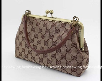 ON SALE! Handmade Sewing lady handbag/purse/20cm metal frame handbag/Product Size: 24cm B385