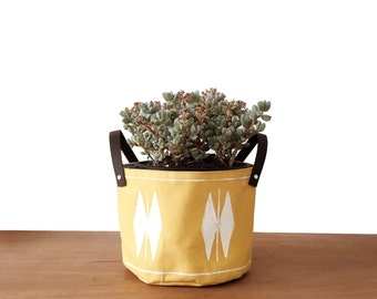 Yellow Midfly Fabric Planter - Med