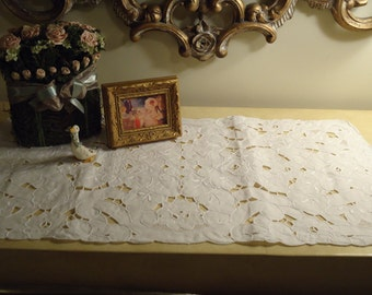 Vintage, Cutwork Lace & Embroidered, ~LINEN ~Placemat,Doilie,