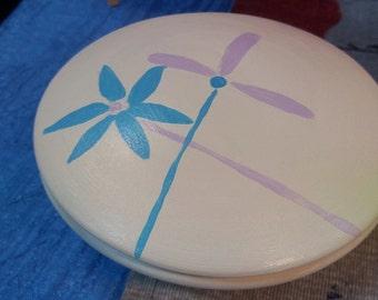 Hand-decorated ceramic box