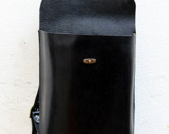 Classic Backpack in black, leather.