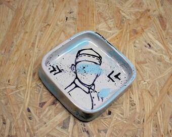 ceramic ringdish with illustration, boy illustration, ringholder, juwelryholder, ceramic illustration,