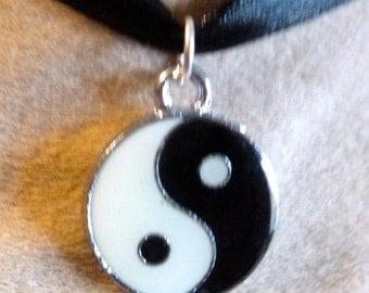 adorable pendant Chinese yang ying