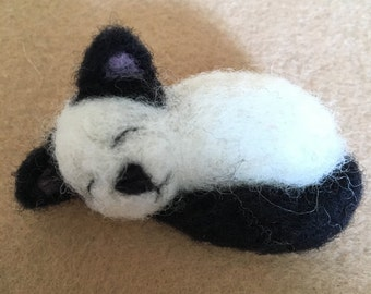 Needle felted sleeping cat