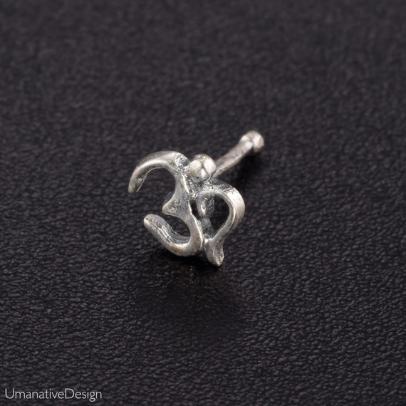 Silver OM nose stud. aum symbol. silver nose jewelry. nose studs. nose ring. spiritual jewelry. nose piercing.tiny nose stud.nose pin silver