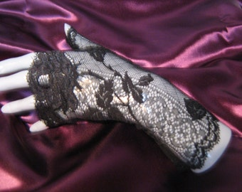 Clearance - 25% Gothic lace cocktail Black Lace arm warmers fingerless gloves