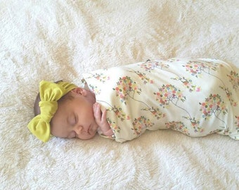 Swaddle blanket and bow, girl floral swaddle set, jersey knit stretchy matching swaddle // Cheerful Trees Swaddle