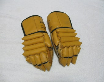Vintage 1960's Leather Ice Hockey Gloves - Man Cave Decoration - Sport Collectible - Ice Hockey Players Gloves - Collectible - NICE