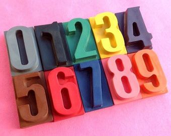 Number Crayons | Set includes numbers 0-9 | Educational gift | Birthday gift | Learning to Count | Gifts for Children | Novelty Crayons